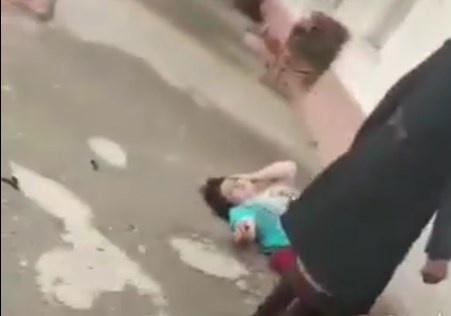 «Икки нафар қизи бор ҳамшира аёлни уриб судрашгани» видеосига изоҳ берилди
