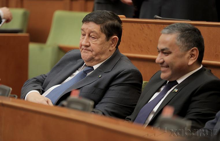 Сенатнинг ялпи мажлиси қандай руҳда ўтмоқда? (фото)