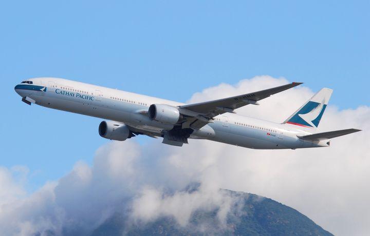 Boeing 777 экстренно приземлился в Канаде