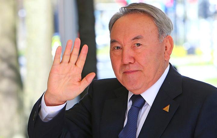 Нурсултон Назарбоев 2020 йил апрелгача давлатни бошқариши мумкин эди: Элбоши нега кетди?