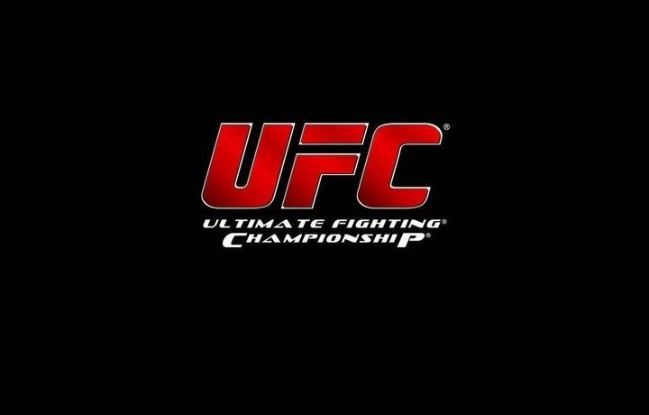 Чемпион UFC попался на допинге и отказался от пояса